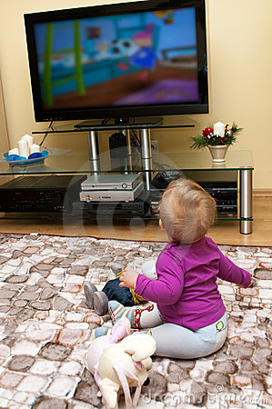 Free Baby Watching Television Royalty Free Stock Photography - 17433137