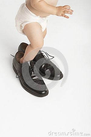 Free Baby Wearing Man S Shoes Stock Photography - 31837872