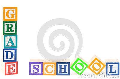 Babyblokken die lage school spellen