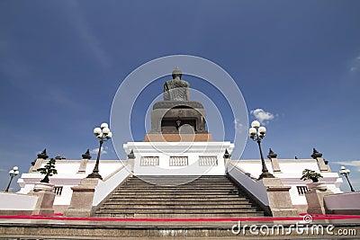 Back big buddha image at Phutthamonthon