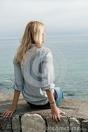 Free Back Of Blonde Woman Traveler Enjoying The Views On Sea In Summe Royalty Free Stock Photography - 108527647
