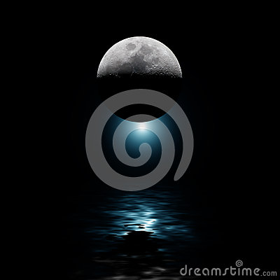Free Backlit Moon And Blue Star Over Water Royalty Free Stock Photography - 52642587