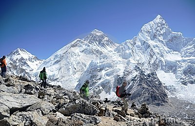 Backpackers in the Everest base camp trail Editorial Image