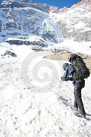 Free Backpackers In The Hike Royalty Free Stock Image - 19719196
