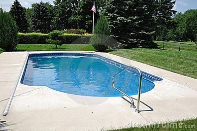 Backyard In-Ground Swimming Pool