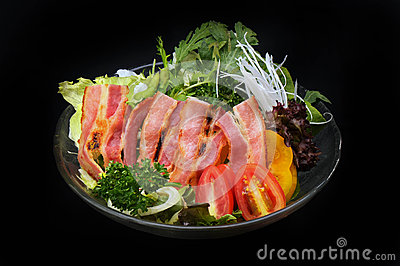 Bacon and vegetables salad