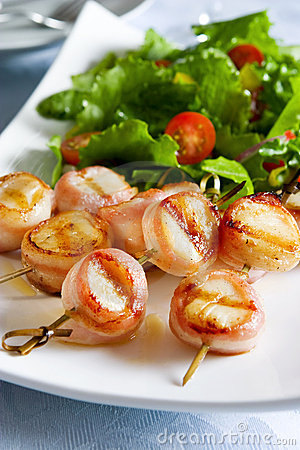 Free Bacon Wrapped Scallops Royalty Free Stock Photography - 5220187