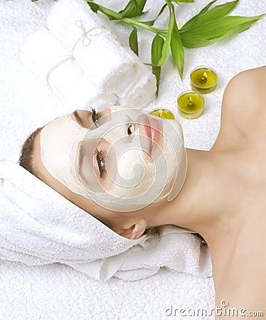 Badekurort-Gesichtsbehandlung-Schablone
