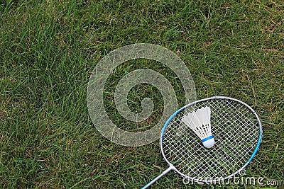 Badminton Birdie Shuttlecock mit Schläger