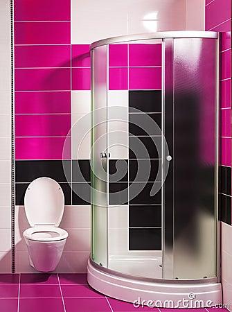 Bagno bianco e rosa moderno con la doccia foto stock – 7 bagno ...