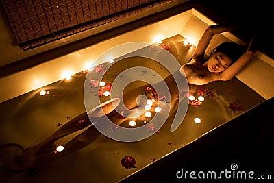 Bagno romantico fotografie stock libere da diritti for Bagno romantico