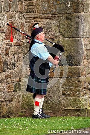 Bagpiper Σκωτία Εκδοτική Φωτογραφία