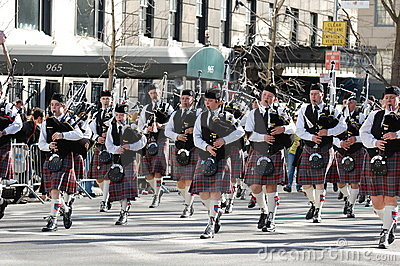 Bagpipes in New York s St. Patrick s Day Parade Editorial Photo