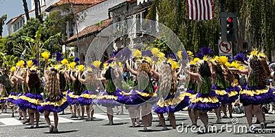 Bailarines del desfile del solsticio Foto editorial