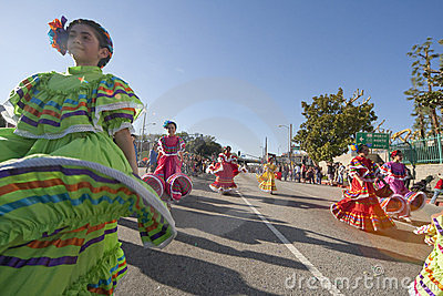 Bailarines mexicanos tradicionales Foto editorial