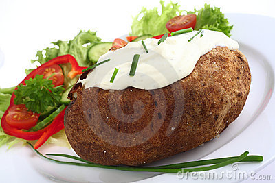 Baked potato with cottage cheese