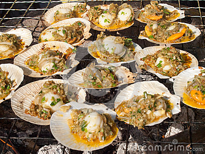 Baked scallops with butter