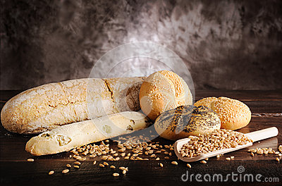 Bakes breads and cereals