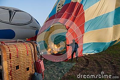Balão em Cappadocia, Turquia Foto Editorial