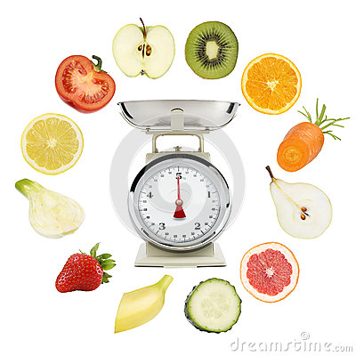 Free Balanced Diet Concept. Weight Scales With Fruits And Vegetables Royalty Free Stock Photos - 93731718