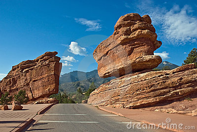 Balanced Rock and road