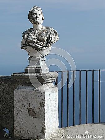 Balcão de Cimbrone da casa de campo, costa de Amalfi, Italy