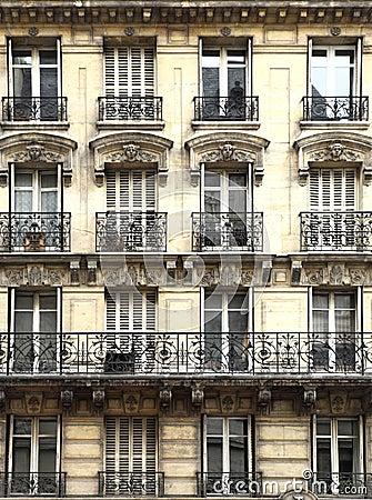 Balcons architecture parisienne images libres de droits for Architecture parisienne