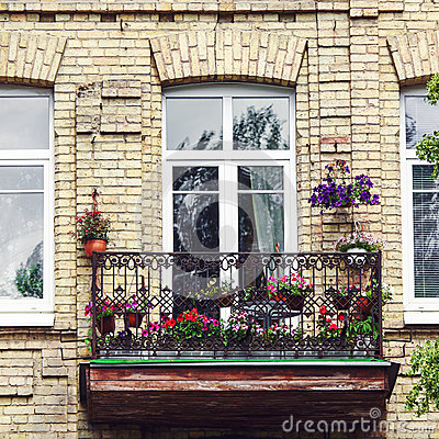 Free Balcony With Flowers At Summertime Stock Image - 85622251