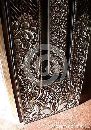 Balinese wood door details