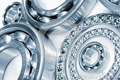 Ball bearings, pinions against whites