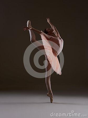 Free Ballerina In The Pose `Swallow` Royalty Free Stock Image - 109726036