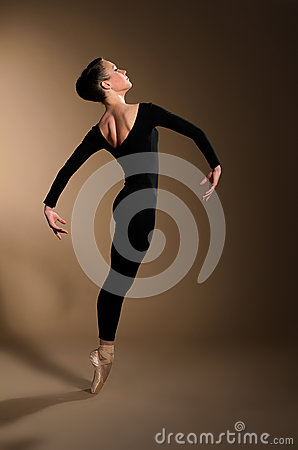 Free Ballet Dancer Royalty Free Stock Images - 41425349