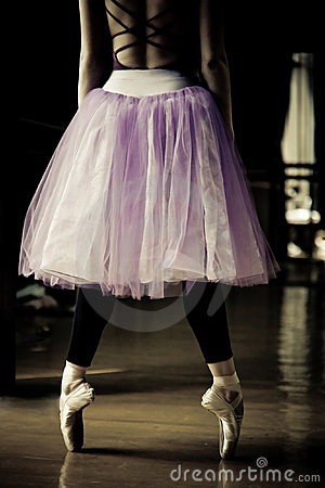 Free Ballet Dancer On Her Toes Stock Image - 14821681