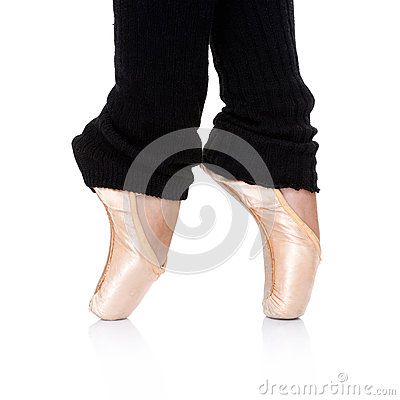 Ballet dancer posing en pointe
