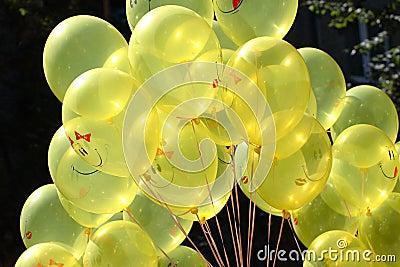 ballons-jaunes-3881392