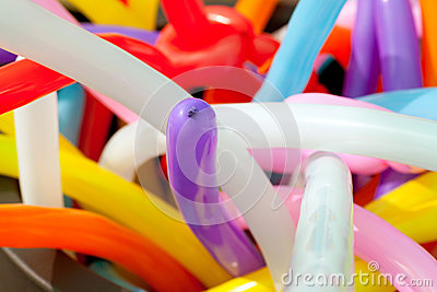 Balloon twisting art children workshop