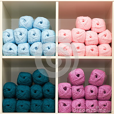 Free Balls Of Wool Royalty Free Stock Photography - 26279257