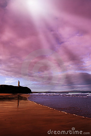 Free Ballybunion Beach Castle And Waves Royalty Free Stock Photos - 12268048
