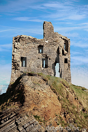 Free Ballybunion Castle Ruin On A Beautiful Rock Face Stock Images - 22817384