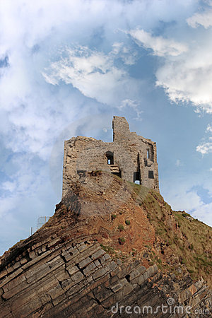 Free Ballybunion Castle Ruin On A High Layered Cliff Royalty Free Stock Photo - 16990855