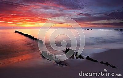 Baltic oceanu wschód słońca