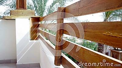 balustrade en bois sur la fa ade de la maison banque de vid os vid o 41362622. Black Bedroom Furniture Sets. Home Design Ideas