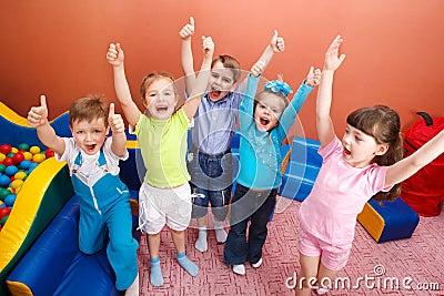 Bambini gridanti