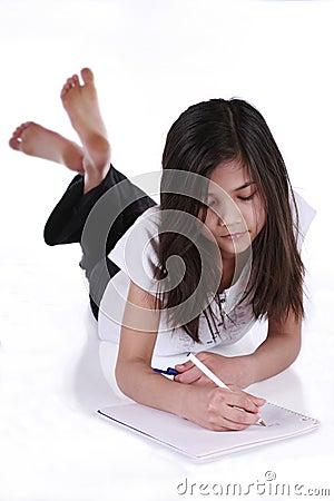 Bambino che studia o che scrive immagine stock immagine for Konzentrationsschw che kind