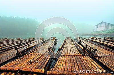 The bamboo raft lake