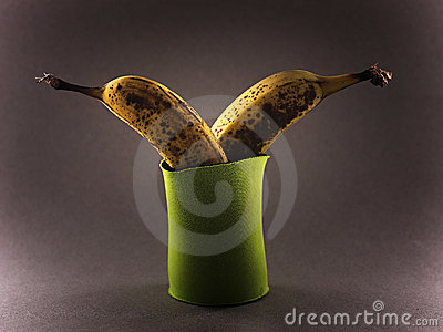 Bananas in cooling pouch