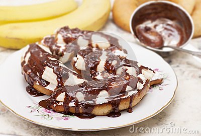 Bananas on toasted white bread