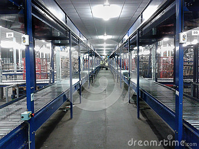 Bande de conveyeur d entrepôt de logistique