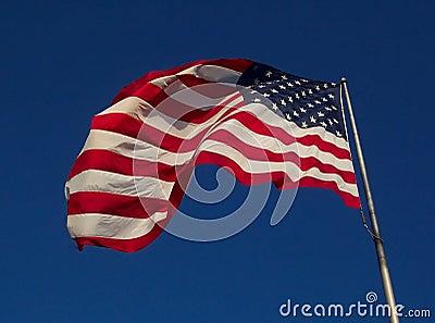 Bandeira dos EUA - dia ventoso