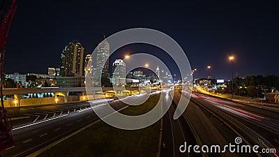 Bandeja do lapso de tempo da arquitetura da cidade de Atlanta video estoque